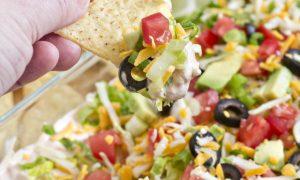 Salsa para Untar con Chips de Tortilla