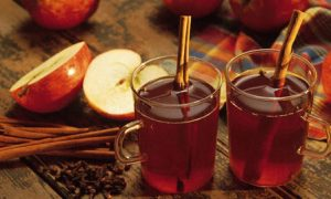 Sidra de manzana caliente